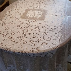 Brand New Beautiful White Lace Floral Tablecloth